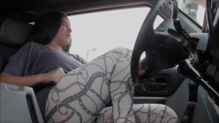 Sexy Girl Fart In Car!