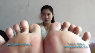 chinese girl socks and feet