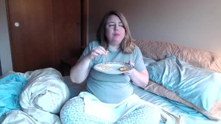 Natty the Fatty masturbating on bed after food