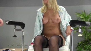 Pussy spanking 01