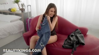 Reality Kings – Skinny teen Elle Rose gets ass fucked