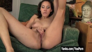 Yanks Betty Loves Her Clit